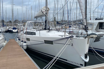 Beneteau Oceanis 41.1 for sale in France for €253,000 (£216,001)