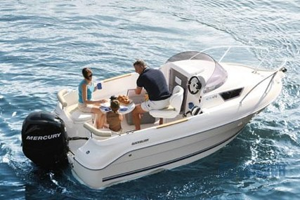 Quicksilver Activ 470 Cabin for sale in Italy for €13,500 (£11,537)