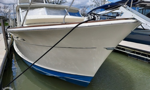 Image of Chris-Craft Commander 42 for sale in United States of America for $59,900 (£43,413) Marblehead, Ohio, United States of America