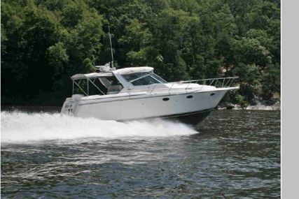 Tiara 3500 Express for sale in United States of America for $114,500 (£82,344)