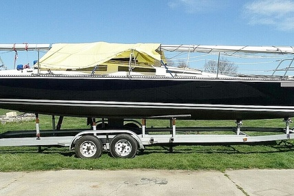 Hobie H33M for sale in United States of America for $24,500 (£17,745)