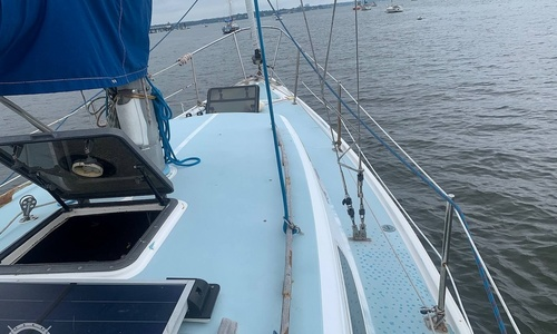 Image of Cal Yachts 34 for sale in United States of America for $6,000 (£4,367) Bronx, New York, United States of America