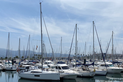 Beneteau Oceanis 30.1 for sale in France for €122,000 (£104,393)