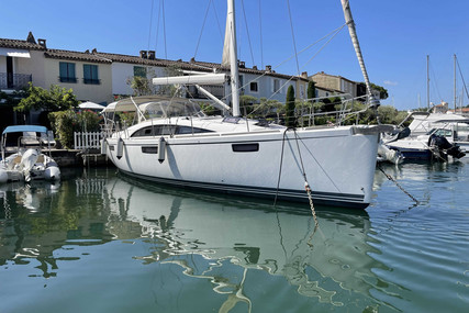 Bavaria Yachts 42 Vision for sale in France for €205,000 (£174,943)