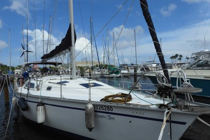 Hunter Legend 37.5 for sale in United States of America for $59,000 (£42,541)