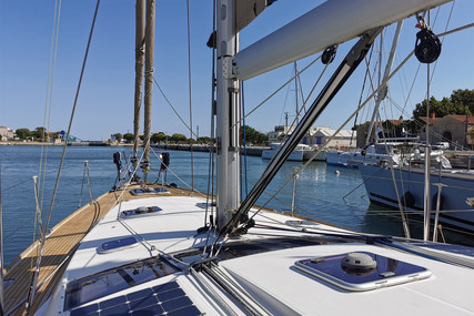 Jeanneau YACHTS 53 for sale in France for €370,000 (£316,876)