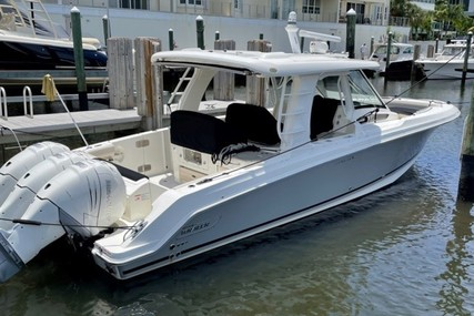 Boston Whaler Realm for sale in United States of America for $699,000 (£502,087)