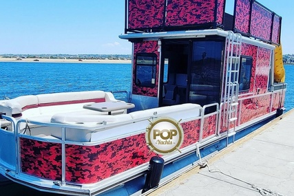 Sun Tracker Party Cruiser 32 for sale in United States of America for $58,500 (£43,188)