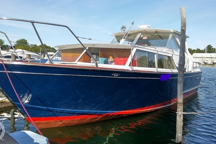 Chris-Craft Cavalier Futura for sale in United States of America for $13,000 (£9,443)