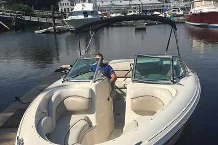 Sea Ray 220 Bow Rider for sale in United States of America for $31,200 (£22,598)