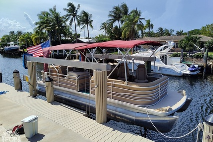Godfrey Pontoon 25 Sanpan for sale in United States of America for $35,000 (£25,091)