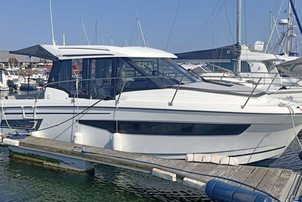 Jeanneau Merry Fisher 895 for sale in France for €105,000 (£89,327)