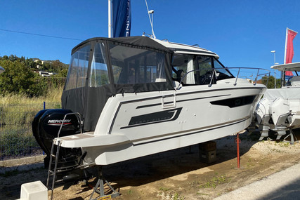 Jeanneau Merry Fisher 895 for sale in France for €159,000 (£135,794)
