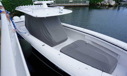 Image of Intrepid 400 for sale in United States of America for $305,000 (£222,872) Miami, Florida, United States of America