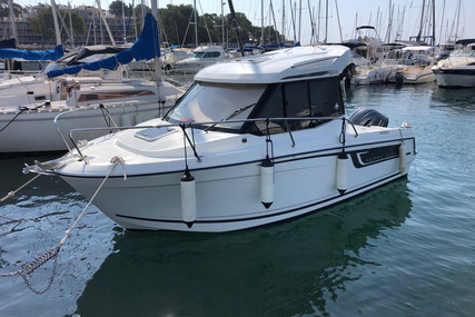 Jeanneau Merry Fisher 605 for sale in France for €38,000 (£32,428)