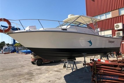 Pursuit 2650 for sale in Italy for €68,000 (£58,000)