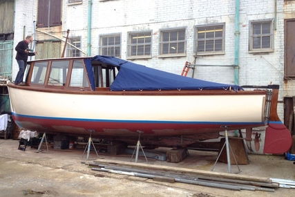 30ft. CLASSIC MOTOR LAUCH for sale in United Kingdom for £24,950