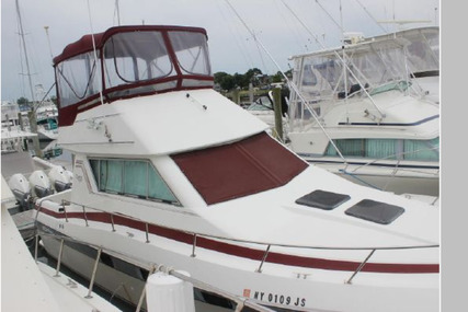Cruisers Yachts 3380 Chateau Vee for sale in United States of America for $20,000 (£14,556)