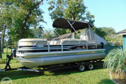 Sun Tracker 22 DLX Party Barge for sale in United States of America for $29,900 (£21,753)