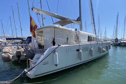 Lagoon 450 for sale in Spain for €485,000 (£418,230)