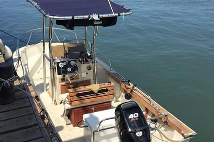 Boston Whaler 18 Outrage for sale in Italy for €16,000 (£13,622)