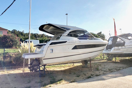 Jeanneau Leader 33 for sale in France for €360,000 (£310,438)
