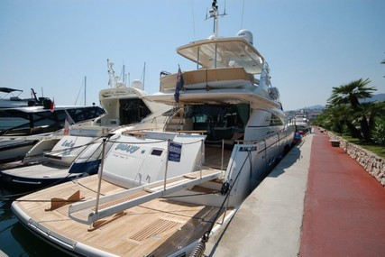 Fairline Squadron 78 for sale in Italy for €875,000 (£747,780)