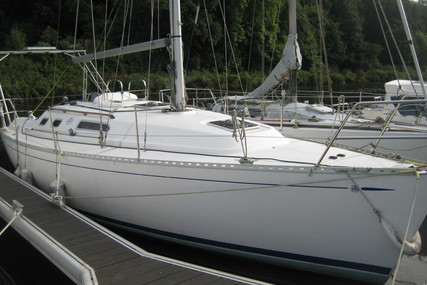 Dufour Yachts 32 Classic for sale in France for €33,000 (£28,184)