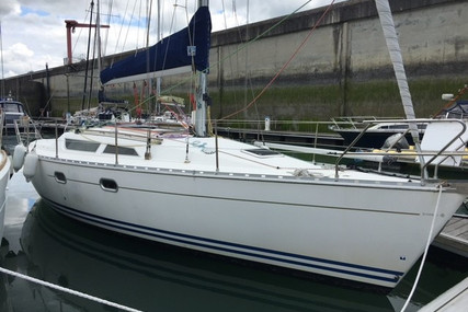 Jeanneau Sun Odyssey 33i for sale in France for €36,000 (£30,351)