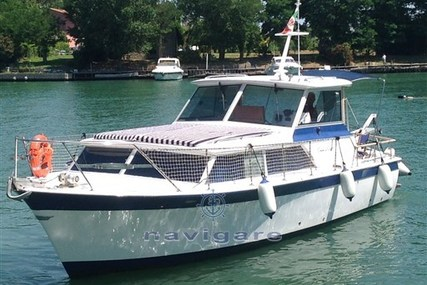 Chris-Craft Commander 31 for sale in Italy for €30,000 (£25,638)