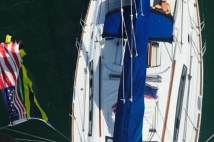 Beneteau Oceanis 40 for sale in United States of America for $139,000 (£101,277)