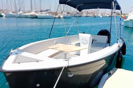 Mareti 585 Open for sale in Spain for €27,500 (£23,498)