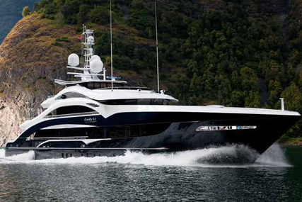 Heesen for sale in Italy for €28,500,000 (£24,340,459)