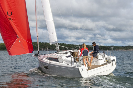 Beneteau Oceanis 30.1 for sale in France for €135,000 (£115,617)