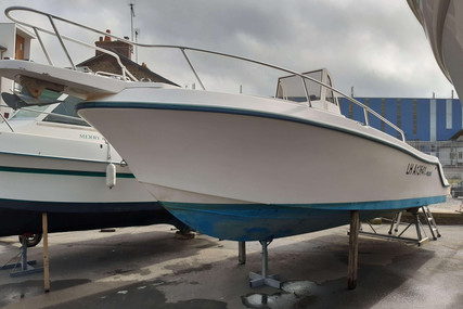 Mako 252 for sale in France for €11,900 (£10,036)