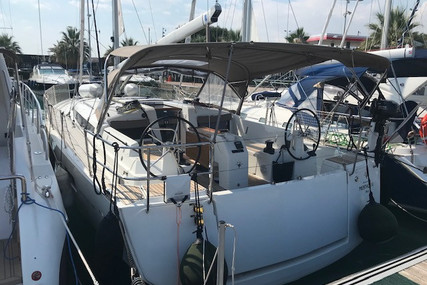 Jeanneau Sun Odyssey 440 for sale in France for €319,000 (£268,944)