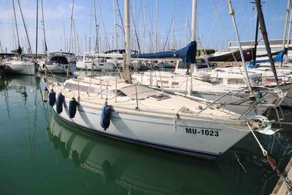 Jeanneau Attalia 32 for sale in Spain for €22,500 (£19,201)