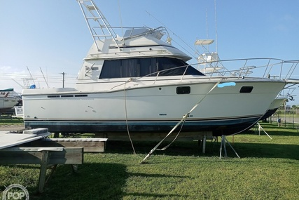 Carver Yachts 3227 Convertible for sale in United States of America for $15,000 (£10,917)