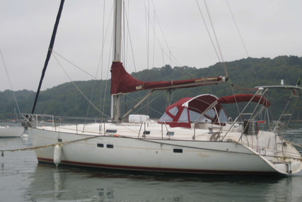 Beneteau Oceanis 411 for sale in France for €75,000 (£64,087)