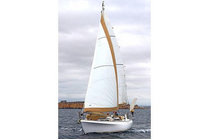 Moody 33 for sale in Portugal for €30,000 (£25,622)