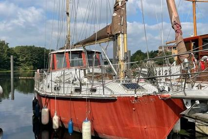 Custom 44 for sale in United Kingdom for £33,000