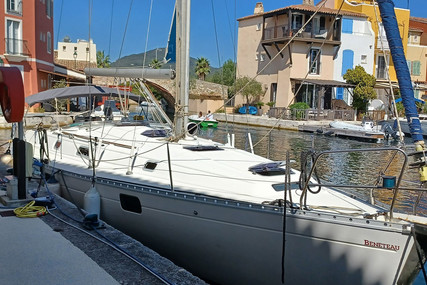 Beneteau Oceanis 400 for sale in France for €62,000 (£53,098)