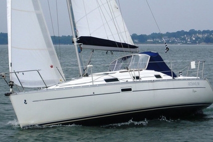 Beneteau Oceanis 311 Clipper for sale in France for €42,000 (£35,870)