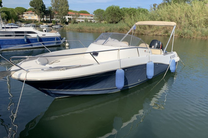 Jeanneau Cap Camarat 755 WA for sale in France for €27,000 (£23,074)