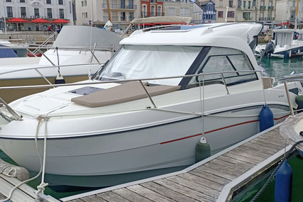 Beneteau Antares 7.80 for sale in France for €45,000 (£38,805)