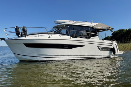 Jeanneau Merry Fisher 895 for sale in France for €106,000 (£90,529)