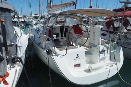 Beneteau Oceanis 37 for sale in France for €90,000 (£76,915)
