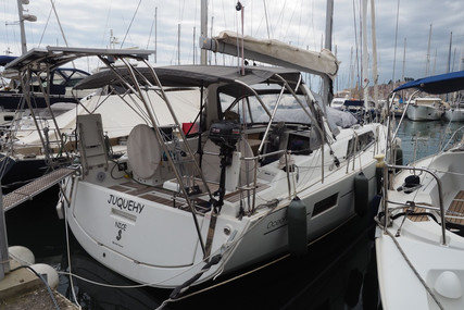 Beneteau Oceanis 41.1 for sale in France for €225,000 (£192,736)