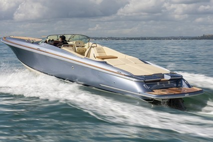 Chris-Craft 34 Corsair Heritage Edition for sale in Finland for €339,000 (£292,330)