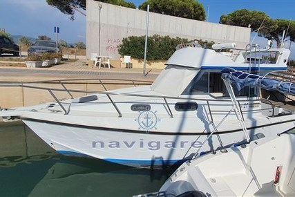 ALA BLU Proteo 28 flying bridge for sale in Italy for €60,000 (£50,490)